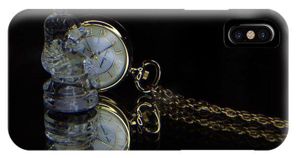 Clock-chess  IPhone Case