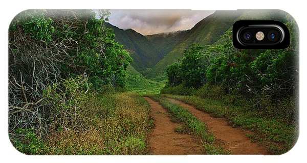 Country Road Kalaupapa, Molokai IPhone Case