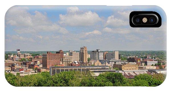 D39u118 Youngstown, Ohio Skyline Photo IPhone Case
