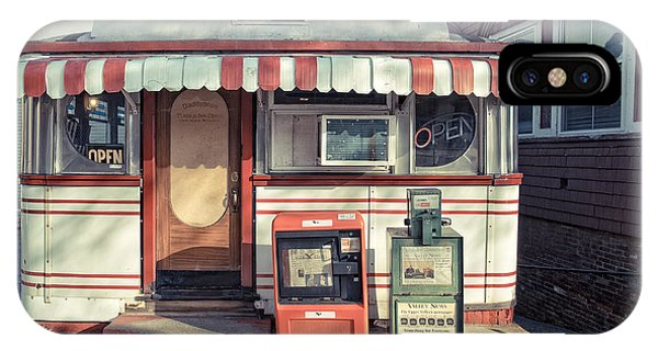 New Hampshire iPhone Case - Daddypops Tumble Inn Diner Claremont New Hampshire by Edward Fielding
