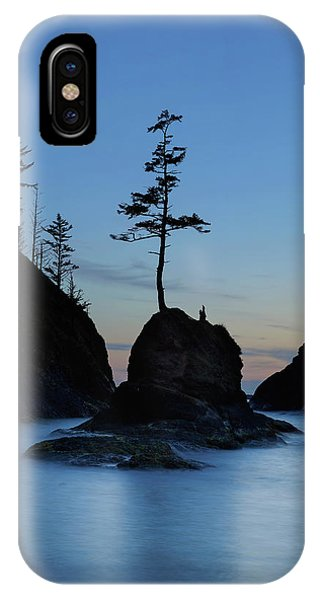 iPhone Case - Deadman's Cove At Cape Disappointment At Twilight by David Gn