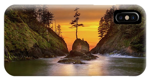 iPhone Case - Deadman's Cove At Cape Disappointment State Park by David Gn