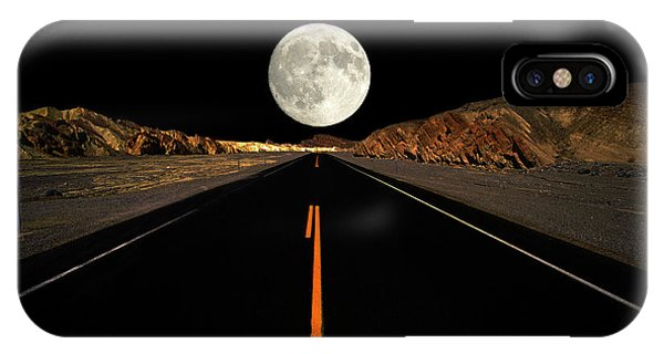 Death Valley Moon Rise IPhone Case