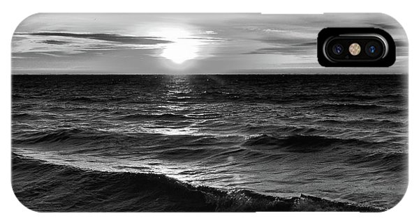 December 20-2016 Sunrise At Oro Station Bw  IPhone Case