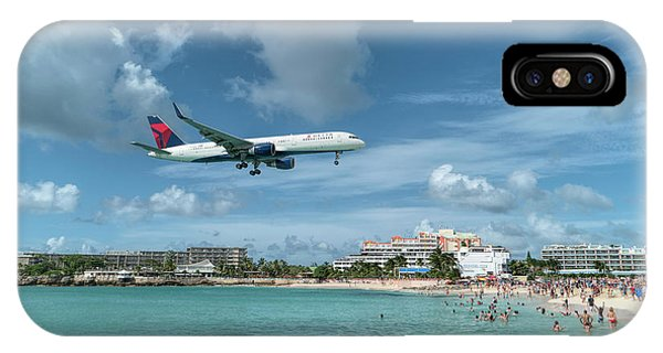 Delta 757 Landing At St. Maarten IPhone Case