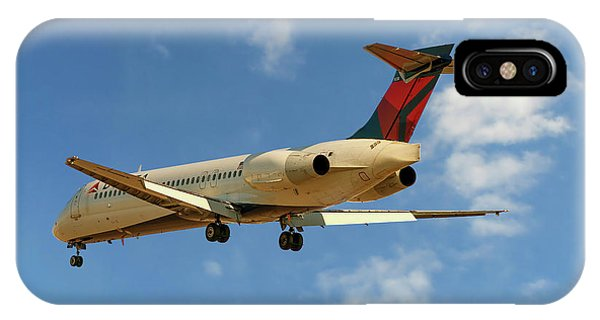 Airline iPhone Case - Delta Airlines Boeing 717-200 by Smart Aviation