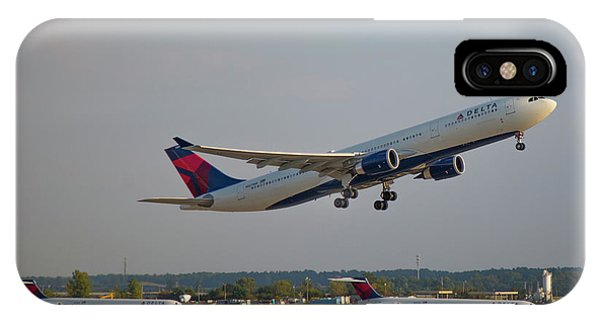Delta Airlines Jet N827nw Airbus A330-300 Atlanta Airplane Art IPhone Case