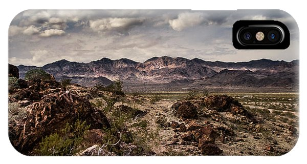 Deserted Red Rock Canyon IPhone Case