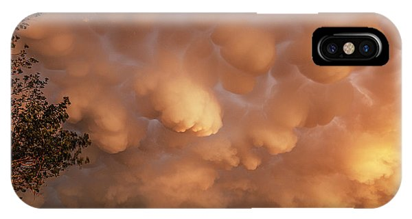 Dimmit Storm Mammatus IPhone Case