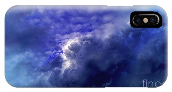 Dramatic Cumulus Sky IPhone Case