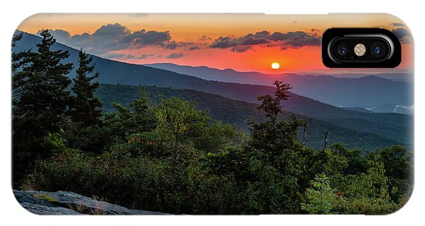 Blue Ridge Parkway Sunrise - Beacon Heights - North Carolina IPhone Case