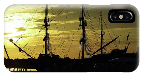 El Galeon Sunrise IPhone Case