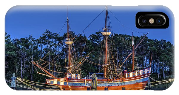 Elizabeth II At Dock IPhone Case