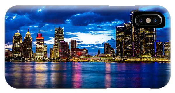 Rights Managed Images iPhone Case - Evening On The Town by Cindy Lindow