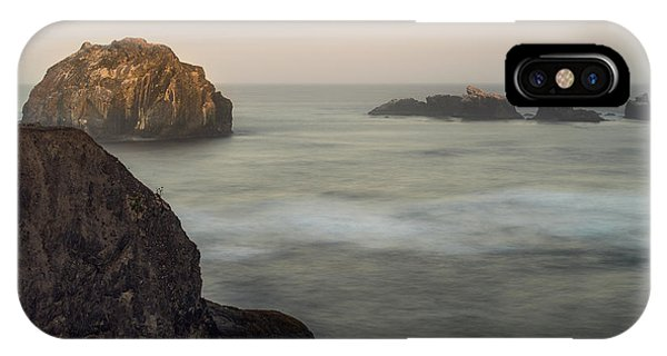 Face Rock Sunrise IPhone Case