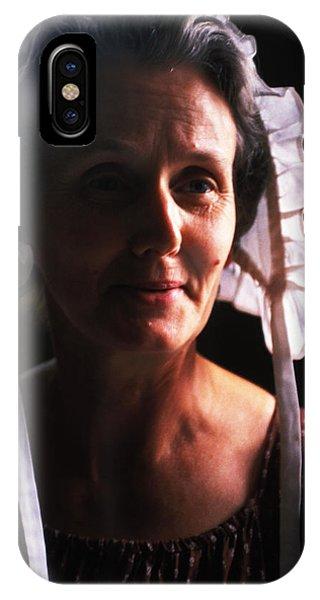 Farm Woman In Bonnet Phone Case by Carl Purcell