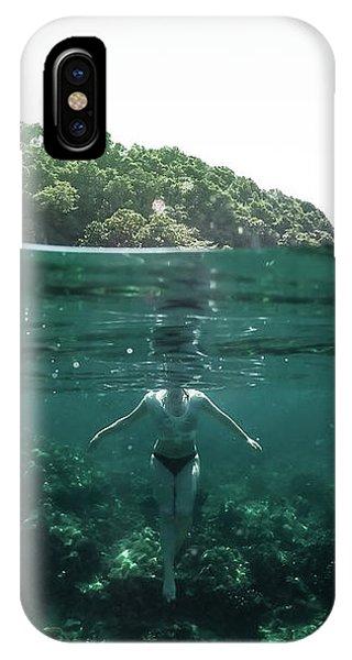 Underwater iPhone Case - Floating by Nicklas Gustafsson