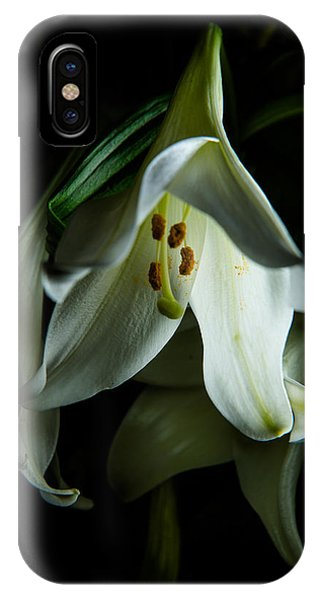 Flowing White Lily IPhone Case