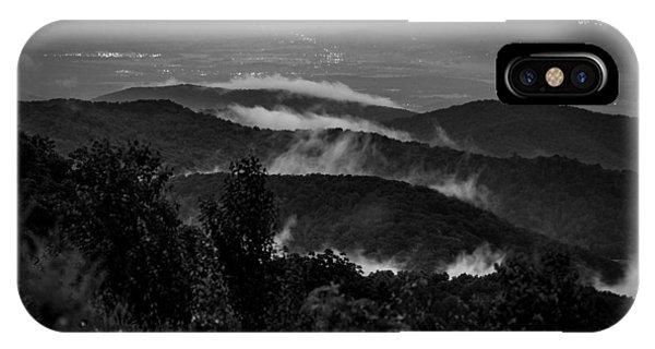 Fog Rolls In Phone Case by Robert Davis