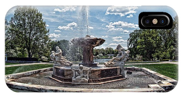 Fountain - Cleveland Museum Of Art IPhone Case