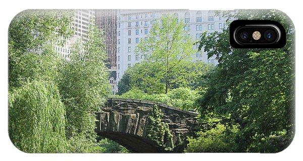 IPhone Case featuring the photograph Gapstow Bridge by Wilko Van de Kamp