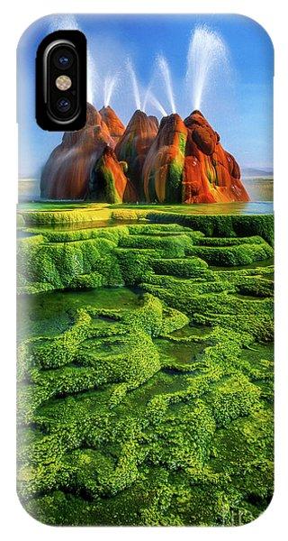 Alga iPhone X Case - Green Fly Geyser by Inge Johnsson