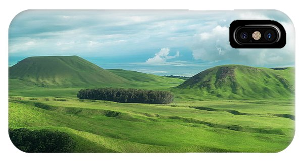 Helicopter iPhone X Case - Green Hills On The Big Island Of Hawaii by Larry Marshall