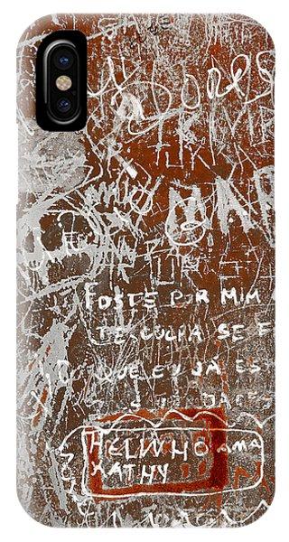 Airbrush iPhone Case - Grunge Background by Carlos Caetano