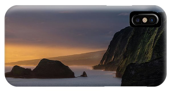 Pacific Ocean iPhone Case - Hawaii Sunrise At The Pololu Valley Lookout by Larry Marshall