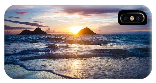 Hawaii Sunrise Phone Case by Robert Davis