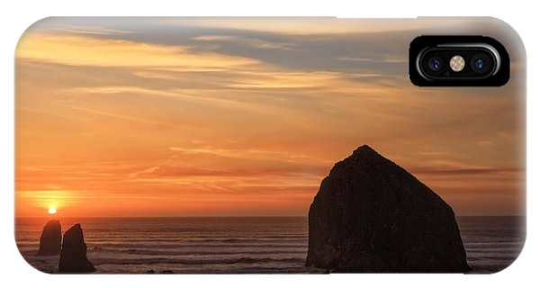 Haystack Rock Ocean Sunset, Cannon Beach, Oregon IPhone Case