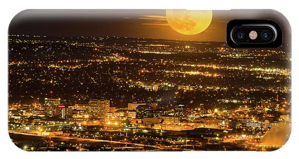 Home Sweet Hometown Bathed In The Glow Of The Super Moon  IPhone Case