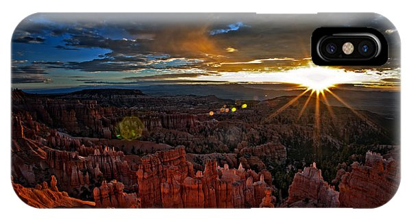 Hoodoos At Sunrise Bryce Canyon National Park IPhone Case
