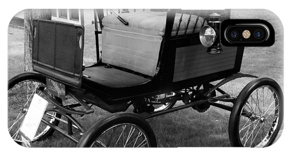 Horseless Carriage-bw IPhone Case