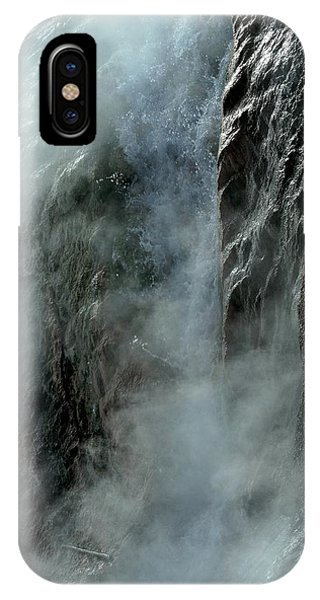 Hot Water Into Cold Makes Steam IPhone Case