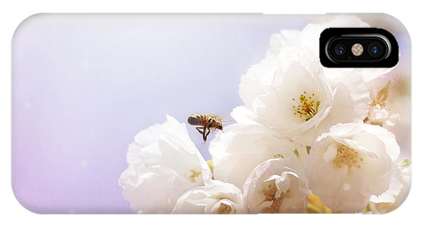 Hovering Bee IPhone Case