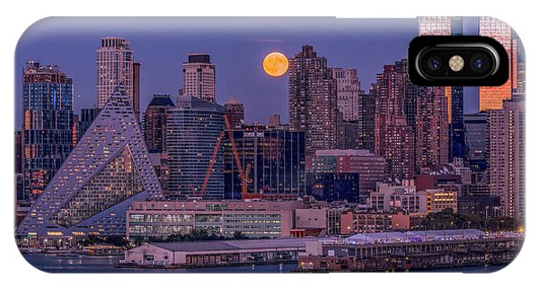Hunter's Moon Over Ny IPhone Case
