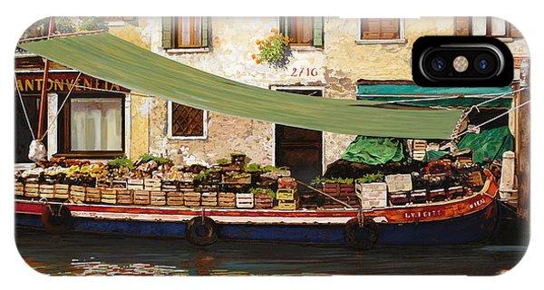 Market iPhone Case - il mercato galleggiante a Venezia by Guido Borelli