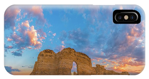 Middle Of Nowhere iPhone Case - Kansas Sunset by Darren White