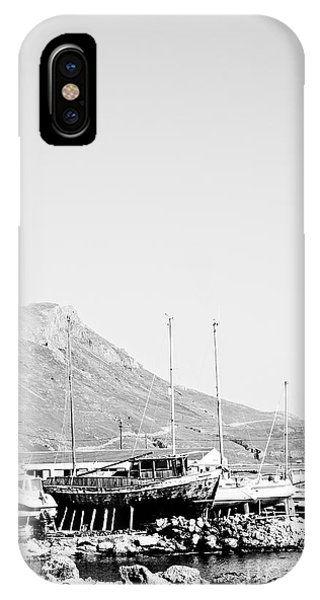 Kavonisi Harbour Phone Case by Gabriela Insuratelu