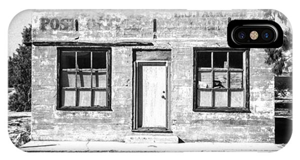 Fineart iPhone Case - Kelso Post Office. The Old Post Office by Alex Snay