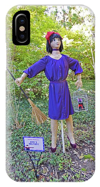 Kiki's Delivery Scarecrow At Cheekwood Botanical Gardens IPhone Case
