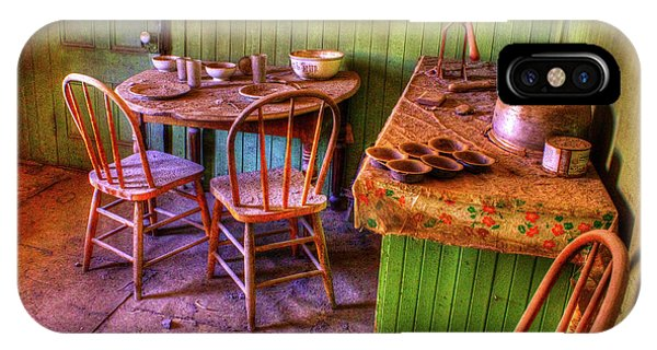 Kitchen Table Bodie California IPhone Case
