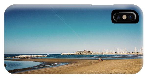 Kitesurf On The Beach IPhone Case