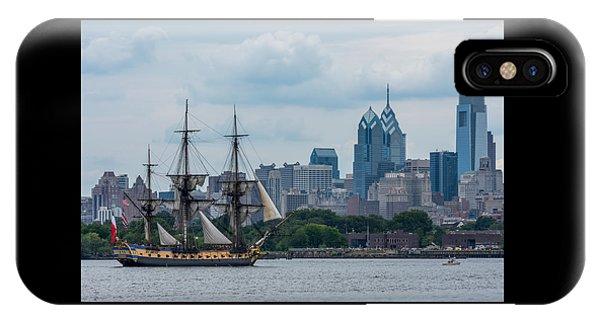 L Hermione Philadelphia Skyline IPhone Case