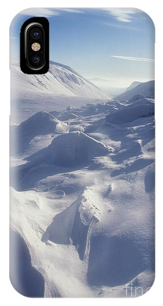 Lairig Ghru In Winter - Cairngorm Mountains IPhone Case