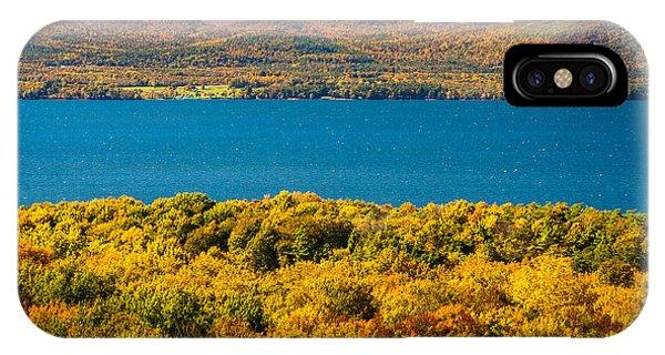 Lak Champlain In Autumn Phone Case by Robert Davis