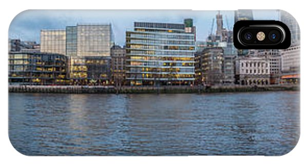 Large Panorama Of Downtown London Betwen The London Bridge And T IPhone Case