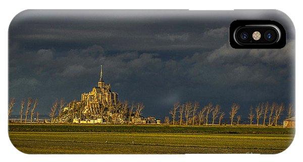 Le Mont Saint-michel IPhone Case