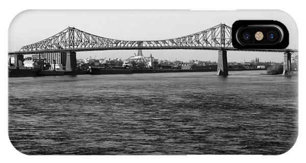 Le Pont Jacques Cartier Phone Case by Robert Knight